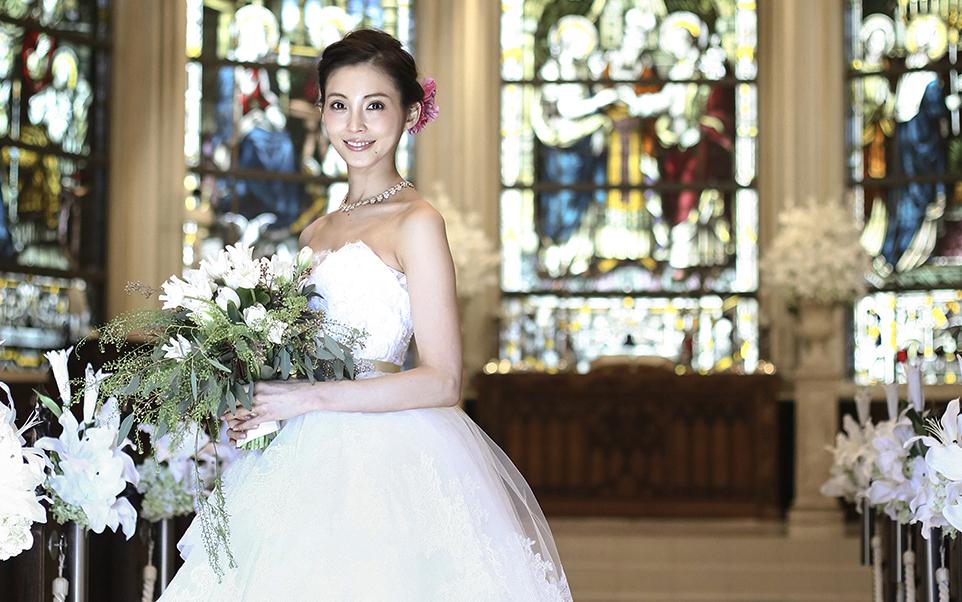 押切もえプロデュース 新作ウェディングドレス「パウダーローズ」の発表会が青山セントグレース大聖堂で開催されました!
